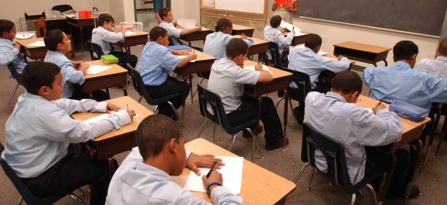 Bellesini students are in school for nearly twice as many hours as public schools students–more than 2,000 hours a year!